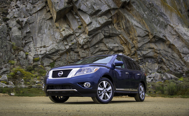 2013 Nissan Pathfinder Crosses Over