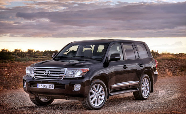 Toyota Landcruiser Has Half the Carbon Footprint of a Dog