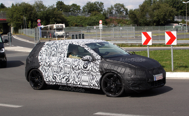 2014 Volkswagen Golf R Caught Testing in Spy Photos