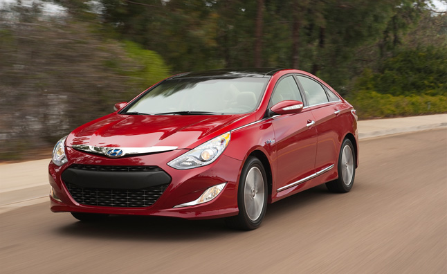 Hyundai Sonata Getting Less Style, Adding Plug-In Hybrid