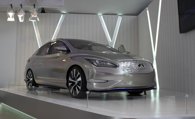 Infiniti LE Concept Making European Debut in Paris