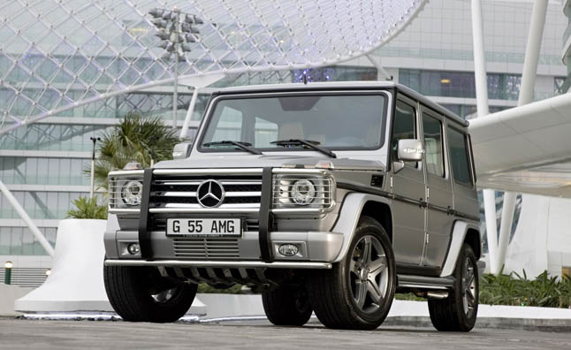 Mercedes Recalls 189 G Wagons for Airbag Risk