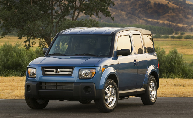 Honda Element Recalled for Incorrect Trailer Light Wiring