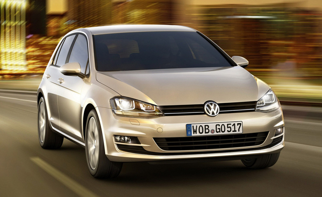 2014 Volkswagen Golf Photos Leak, Interior Shown Early