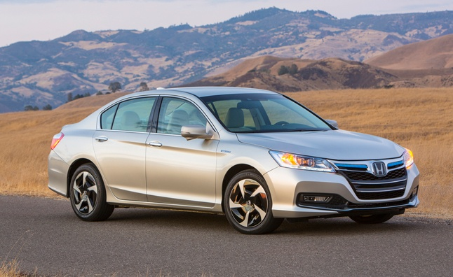 2014 Honda Accord Plug-in Hybrid Offers Over 500 Miles of Driving Range