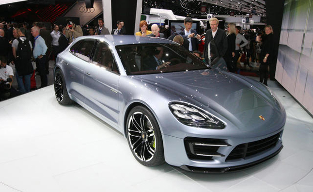 Porsche Panamera Sport Turismo Video, First Look: 2012 Paris Motor Show