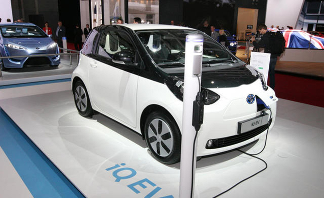 Scion iQ EV Visits Paris, Loathes Leaving City