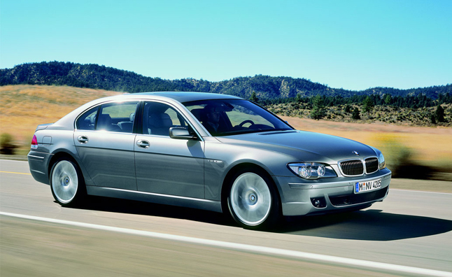 BMW 7 Series Recalled for Door Latch Flaw: 7,485 Units