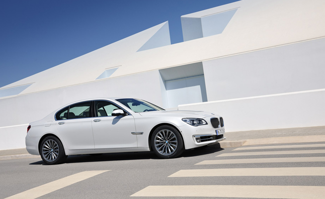 2013 BMW ActiveHybrid 7 Delivers 3 Series-Like Fuel Economy