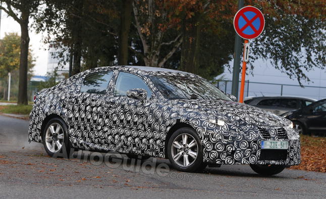 2014 Lexus IS Caught Testing in Spy Photos