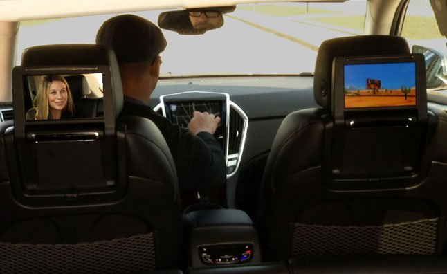 2013 Cadillac SRX Offers Home Theatre Technology – Video