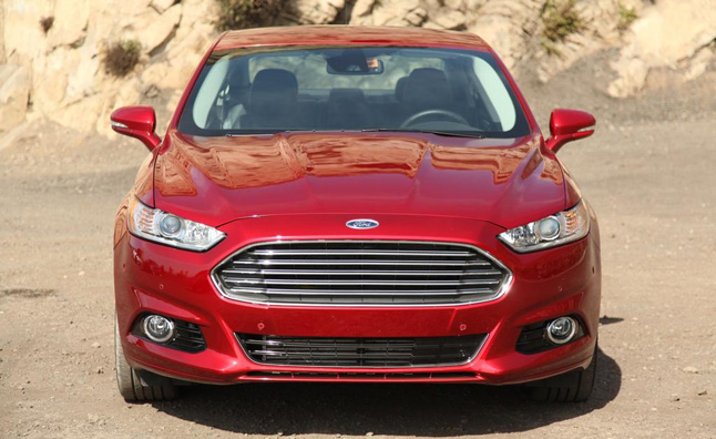 2013 Ford Fusion Earns IIHS Top Safety Pick