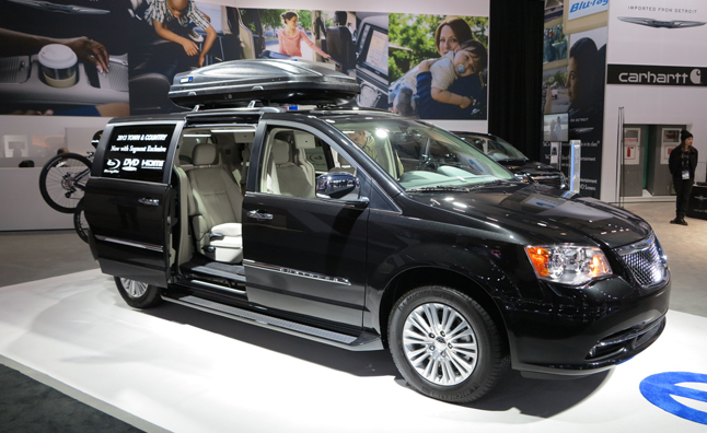 2013 Chrysler Town & Country S Gets Moparized: 2012 LA Auto Show