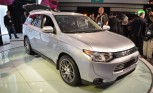 2014 Mitsubishi Outlander Unveiled at LA Auto Show