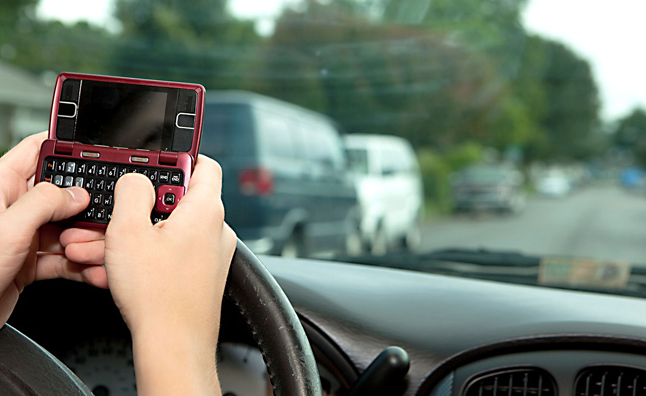 Parents Underestimate Teen Texting and Driving