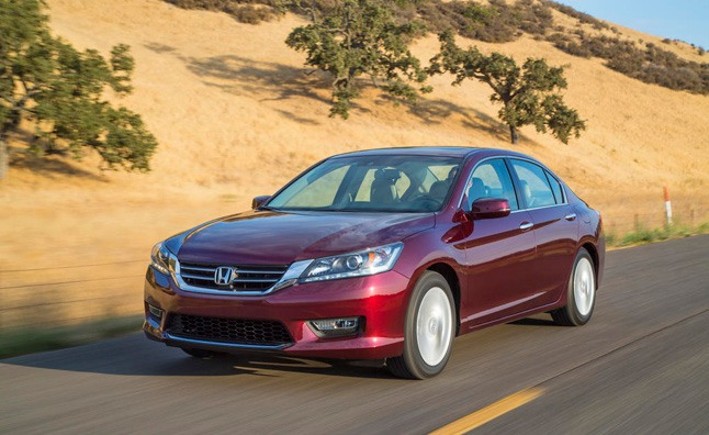 2013 Honda Accord Earns 'Top Safety Pick Plus' from IIHS