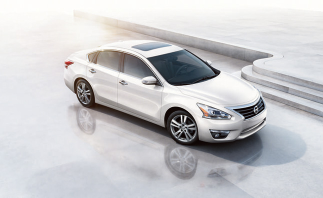 2013 Nissan Altima Earns IIHS 'Top Safety Pick Plus' Rating