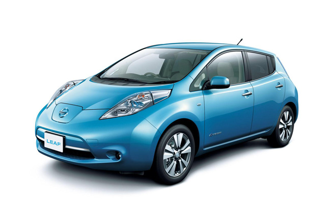 Nissan Completes First Lithium-Ion Cells for 2013 Leaf