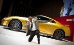 Nissan Bolt Gold GT-R, Memorabilia Raise $193K for Charity