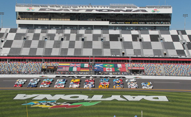 Watch the 2013 24 Hours of Daytona Live Streaming Online