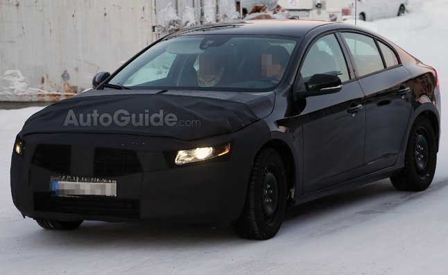 Volvo S60 Refresh Spied with Updated Front Fascia