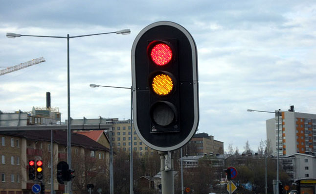 Running Yellow Lights Now Illegal in China