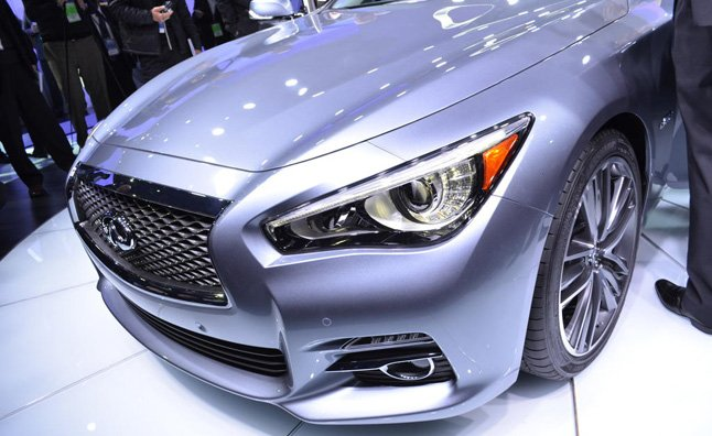 Infiniti Q50 First to Get Motors from Daimler Tie Up