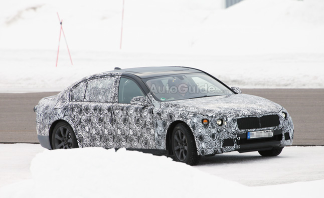 2016 BMW 7 Series Spied in the Snow