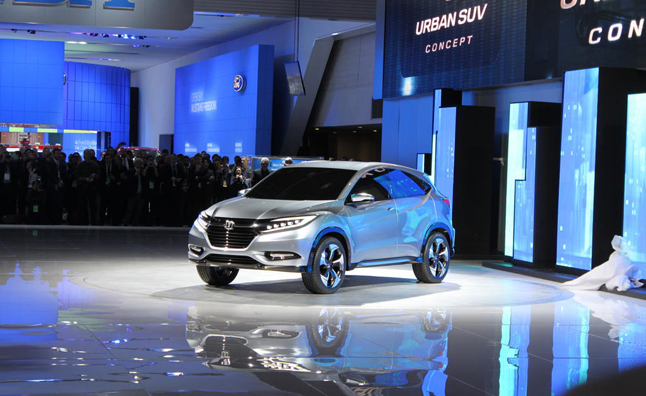 Acura Won't Compete in Small Crossover Segment: Exec