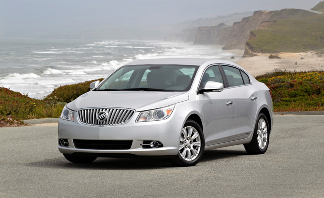 2013-Buick-LaCrosse-eAssist-002-medium