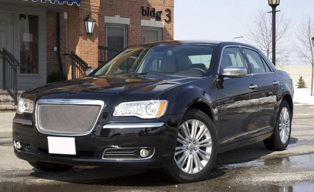 2013-Chrysler-300C-AWD-Luxury-19