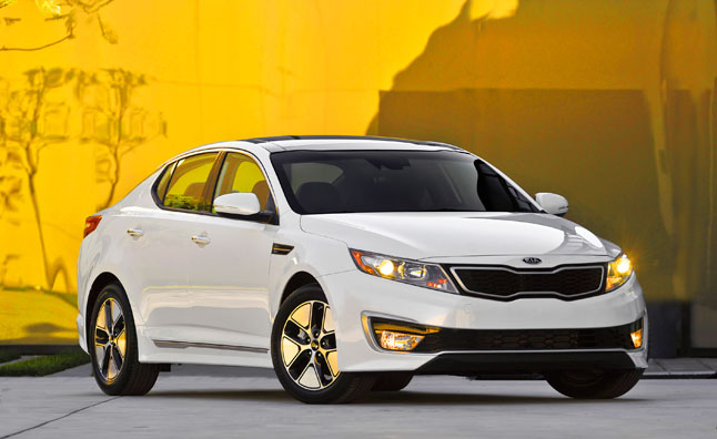 2013 Kia Optima Hybrid Gets Bump to 40 MPG, Priced from $26,675
