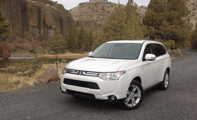 2014 Mitsubishi Outlander Priced from $22,995