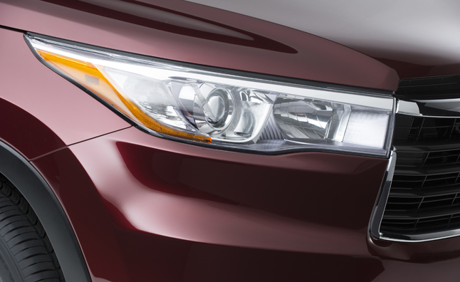 2014 Toyota Highlander Teased before NY Auto Show Debut