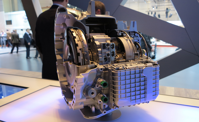Land Rover Brings Nine-Speed Automatic to 2013 Geneva Motor Show