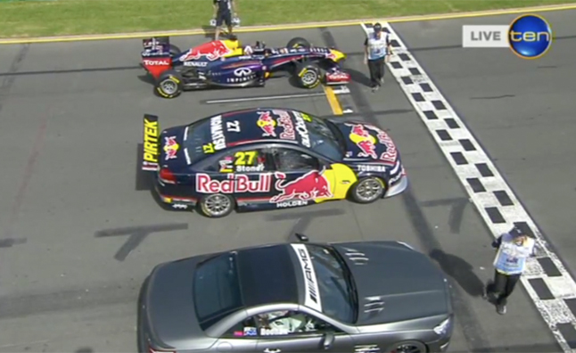 Infiniti Red Bull F1 Car Races Mercedes SL63, V8 Supercar at Australian GP Track