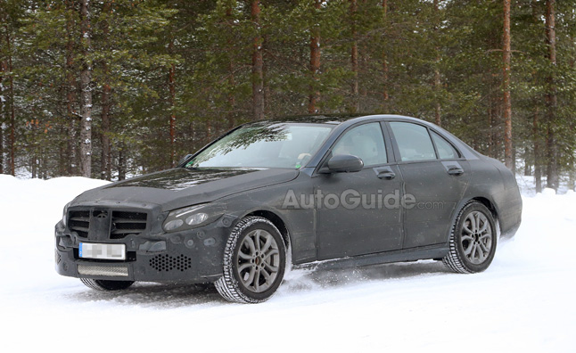 2014 Mercedes C-Class Loses Camo in Spy Photos