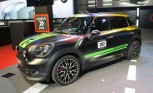 MINI Celebrates Gold With Matte-Black Countryman
