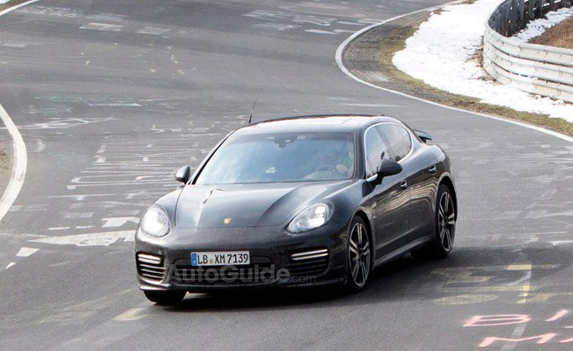 2014 Porsche Panamera Caught Undisguised in Spy Pics