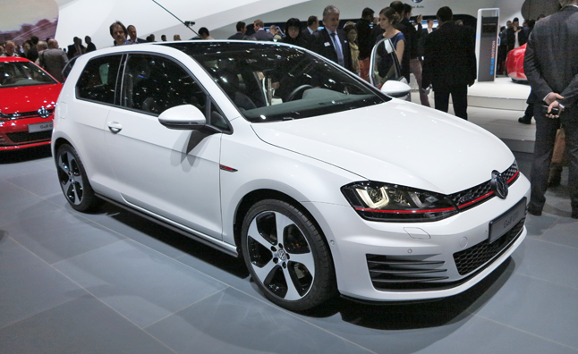 2015 Volkswagen GTI Debuts Lighter, More Athletic