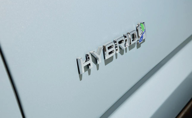 Government to add 10K Hybrids, Double Fleet