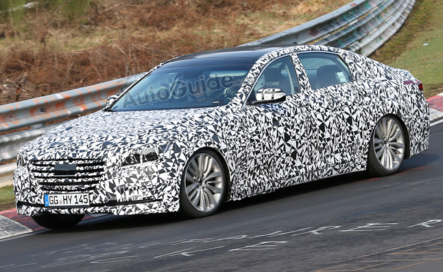 2014 Hyundai Genesis Spied With New Grille, Interior