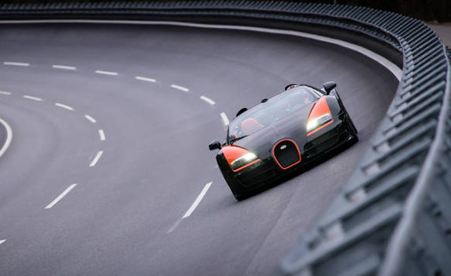 Bugatti Veyron Grand Sport Vitesse Sets Convertible Speed Record