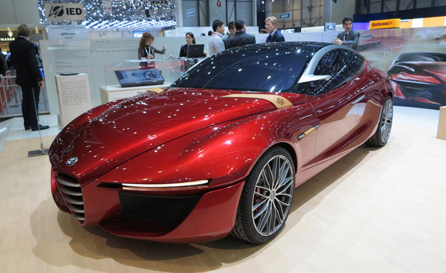 Alfa Romeo 6C Mid-size Luxury Model Planned
