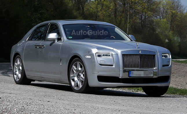 Rolls-Royce Ghost Facelift Spied with Minor Changes
