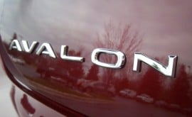 2013-Toyota-Avalon-Badge