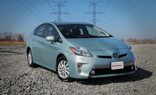 Toyota Launches 2013 Prius Plug-in MPG Challenge