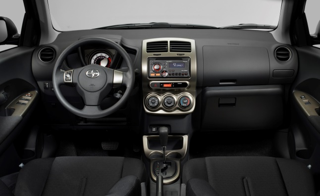 2013_Scion_xD_013