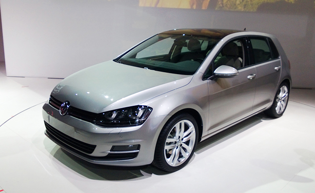 VW Golf Optional Carbon Fiber Roof Helps Performance