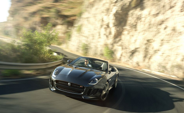 Jaguar-F-Type-Black-Pack